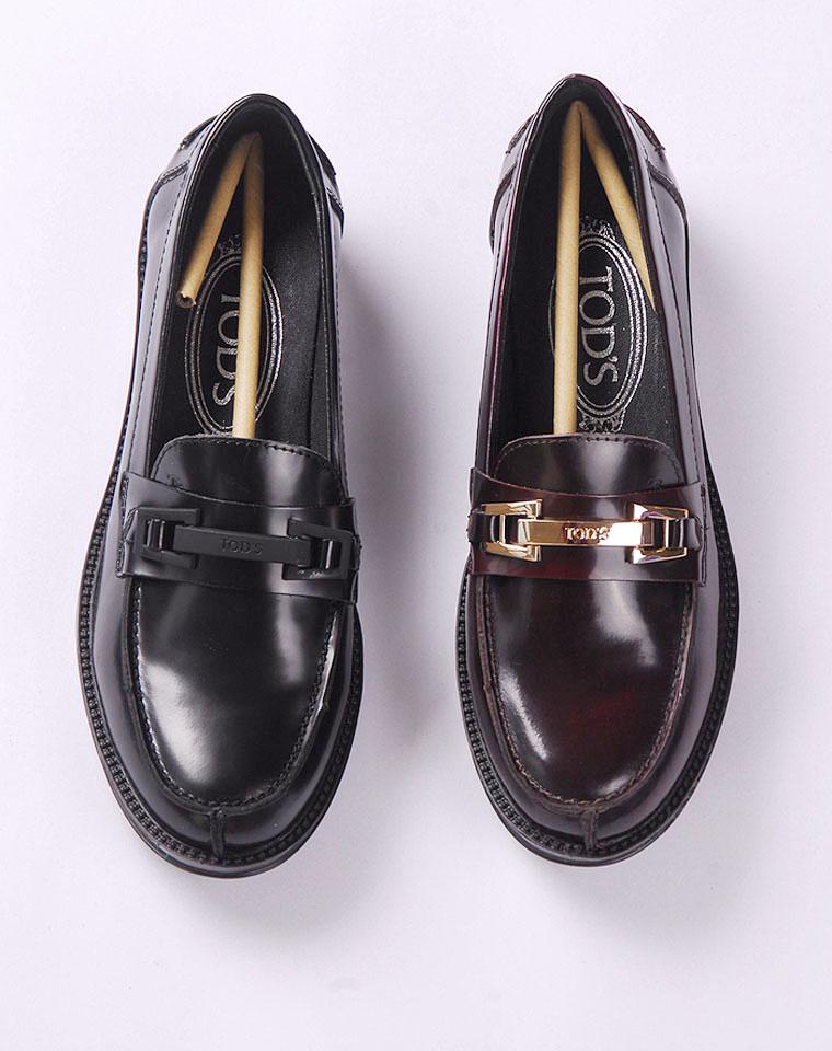 百搭品质基本款   仅348元  TodS托德斯  真皮金属扣   低跟复古单鞋