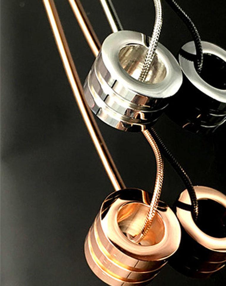 大牌感  仅98元  美国Calvin Klein 礼盒装  简约中性钛钢  情侣款锁骨链  指环项链 2色