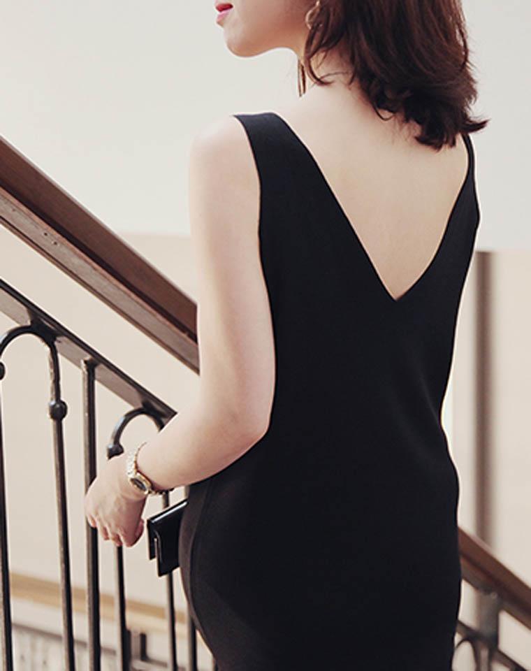 莫要辜负女人身  仅185元 好品质 双V两穿  时髦冰丝针织连衣裙 春夏最新  气质V领背心裙
