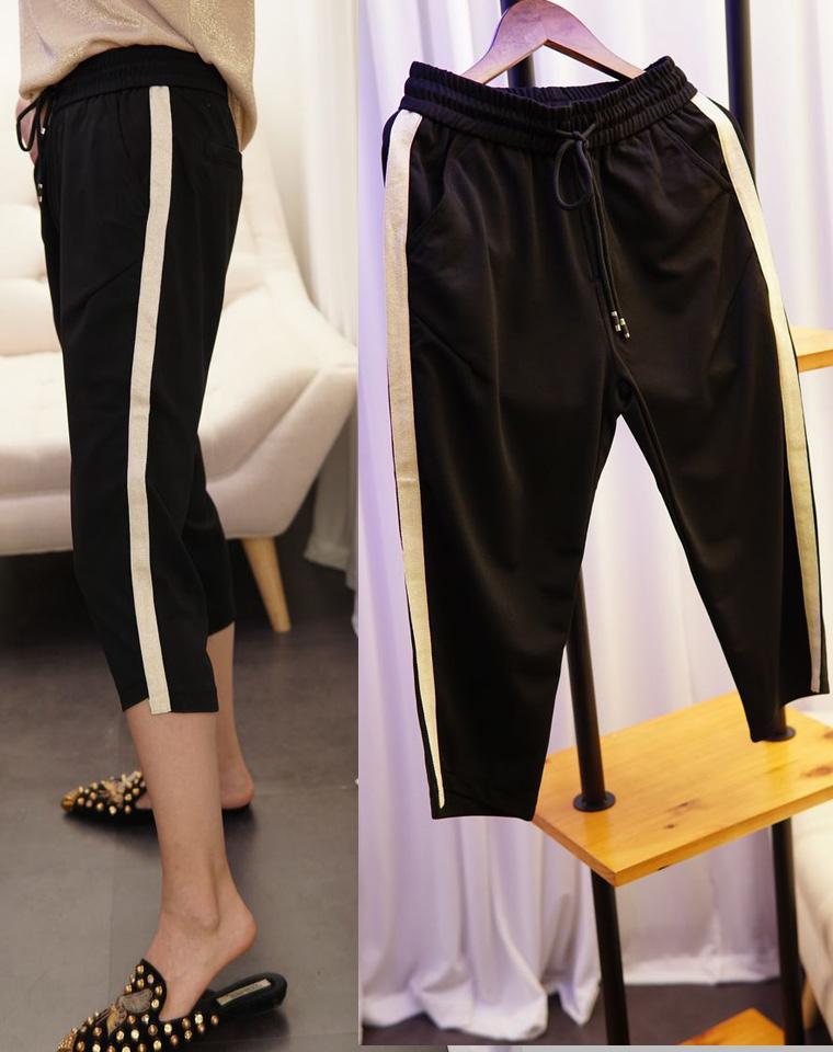 实穿百搭 人手一条  仅69元  简单大气 侧白条 松紧腰 裤口不规则七分裤