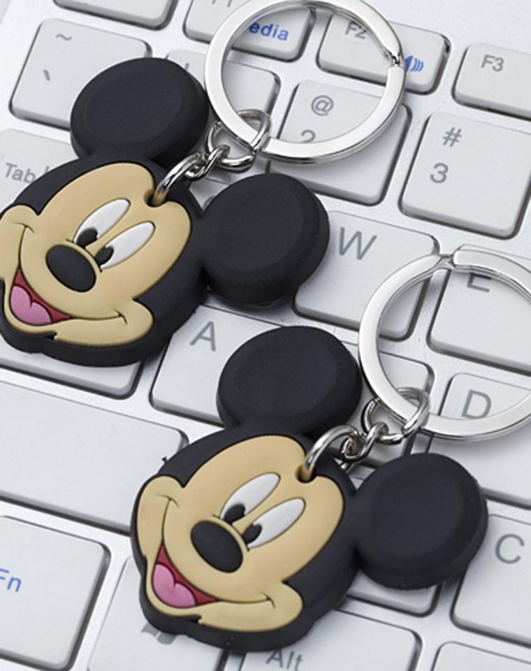 9块9 两个一组   上海Disney正品!!  环保硅胶笑脸钥匙扣,汽车钥匙扣,钥匙挂件,单个有包装,原箱货整