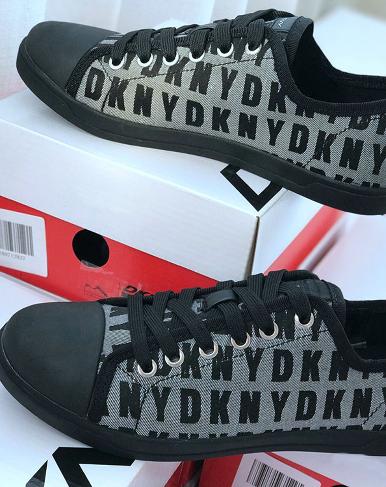 又双叒福利 代购1000+  仅65元 美国DKNY纯正原单 超简约 时尚女低帮透气帆布鞋 系带休闲女鞋