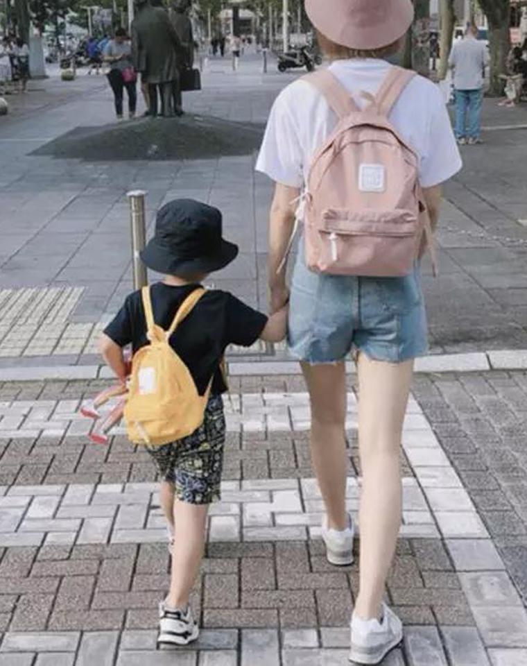 开学季精品  活捉一枚小可爱  仅79元 日本CILO CALA纯正原单  大小号 亲子包 糖果色轻便帆布双肩包