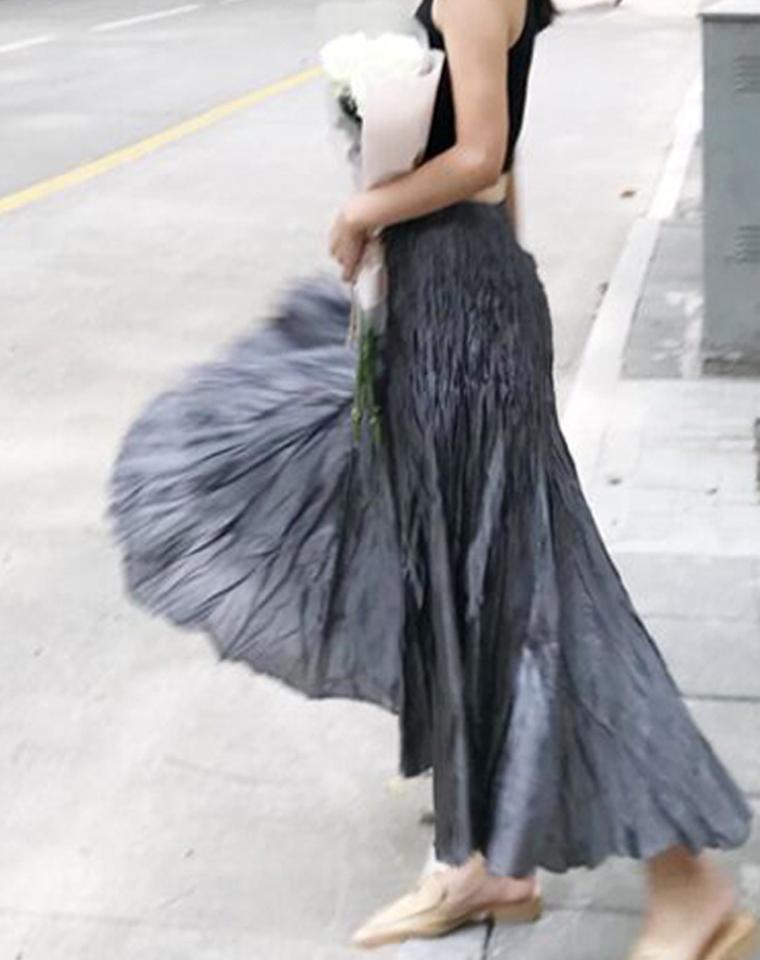 尤物~~仅185元  褶皱系列 2.5大裙摆设计师款长半裙 亦复古亦优雅
