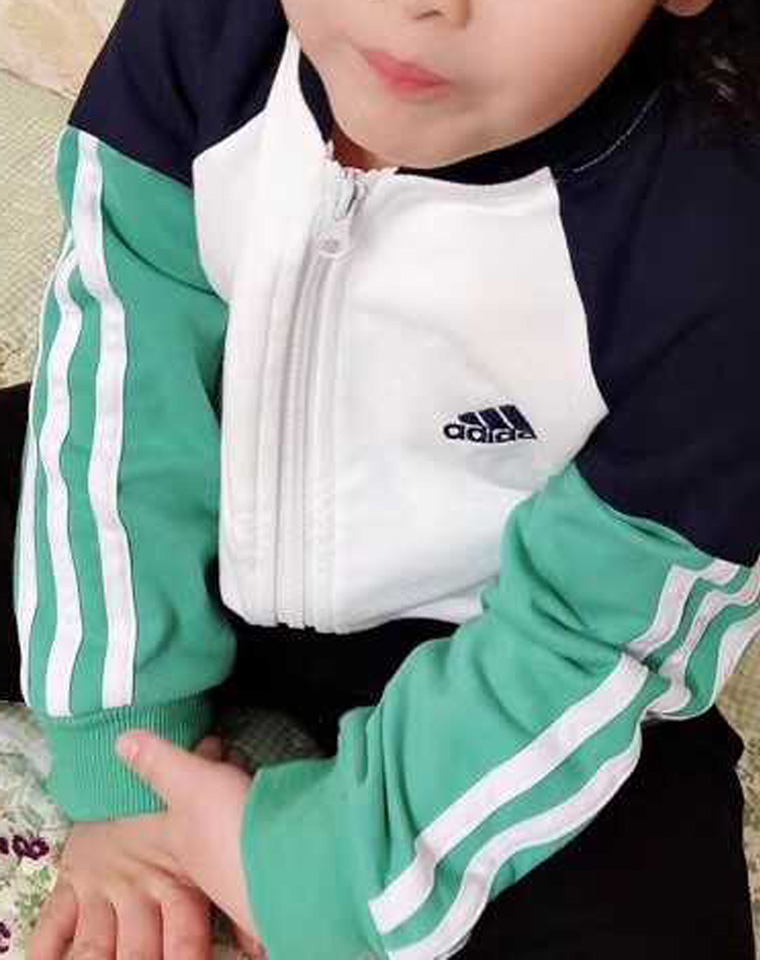 男童女童皆好穿  仅118元  Adidas阿迪达斯  最新男女童  拼袖小立领拉链开衫系列 内里毛圈 卫衣卫裤套装