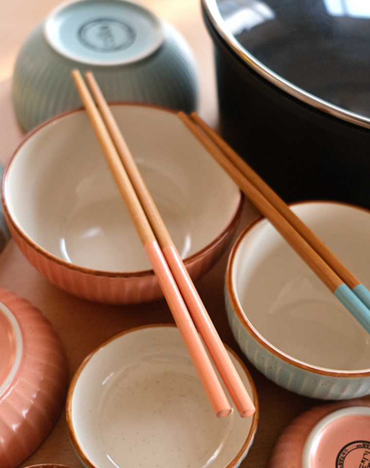 大大小小14件套!仅75元!!彩陶瓷碗筷礼盒 2.2kg