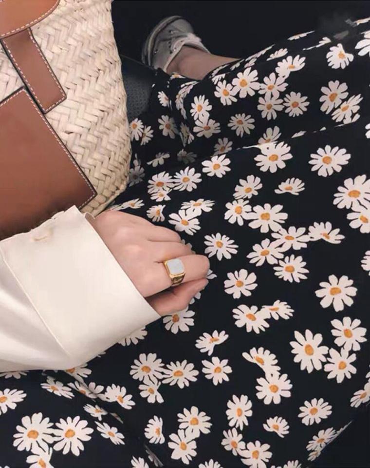 小雏菊!! 令人心动的法式优雅  仅145元  客供雪纺不规则碎花半身裙鱼尾裙