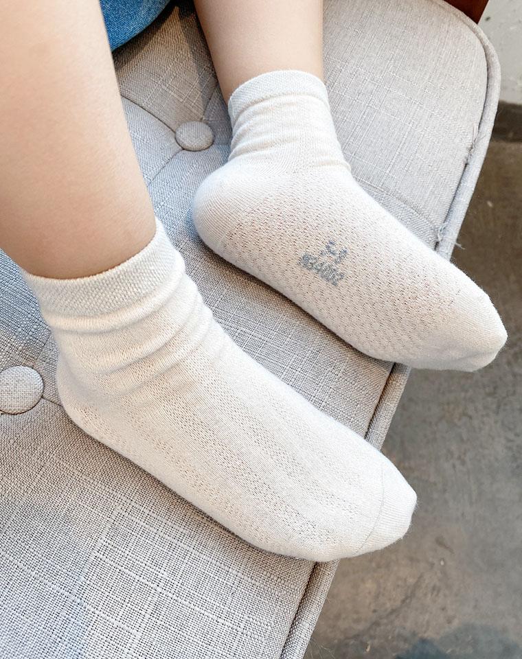 棉质柔软 孩子穿着舒服  仅3.9元  儿童纯棉网眼袜子 男童女童纯色弹力中筒袜 宝宝袜 中大童 薄款