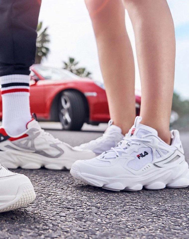 独家货源 仅198元  FILA斐乐男女款老爹鞋 复古运动鞋