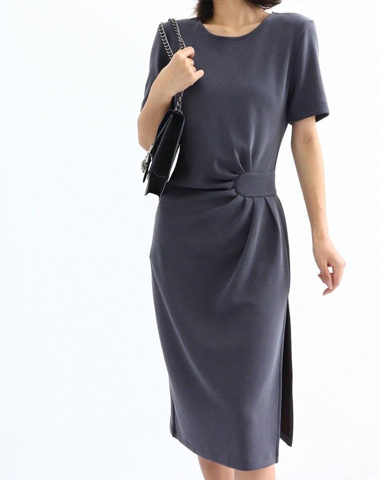 重磅牛货 巨好看巨显瘦显身材 仅148元  莱塞尔天然纤维腰部褶皱开叉连衣裙