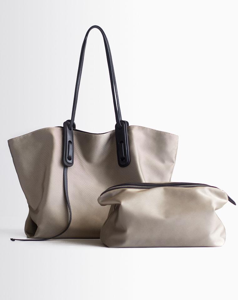 允儿亲身演绎   尼龙大包  2020年新款   仅168元  大容量简约牛津布防水单肩手提子母包 两件套