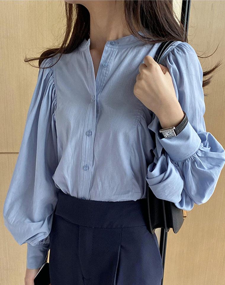 藏肉功没有比TA更厉害的了!!仅125元 CELINE赛琳纯正原单 法式复古立领 白色衬衣  设计感小众泡泡袖 纯棉长袖衬衫