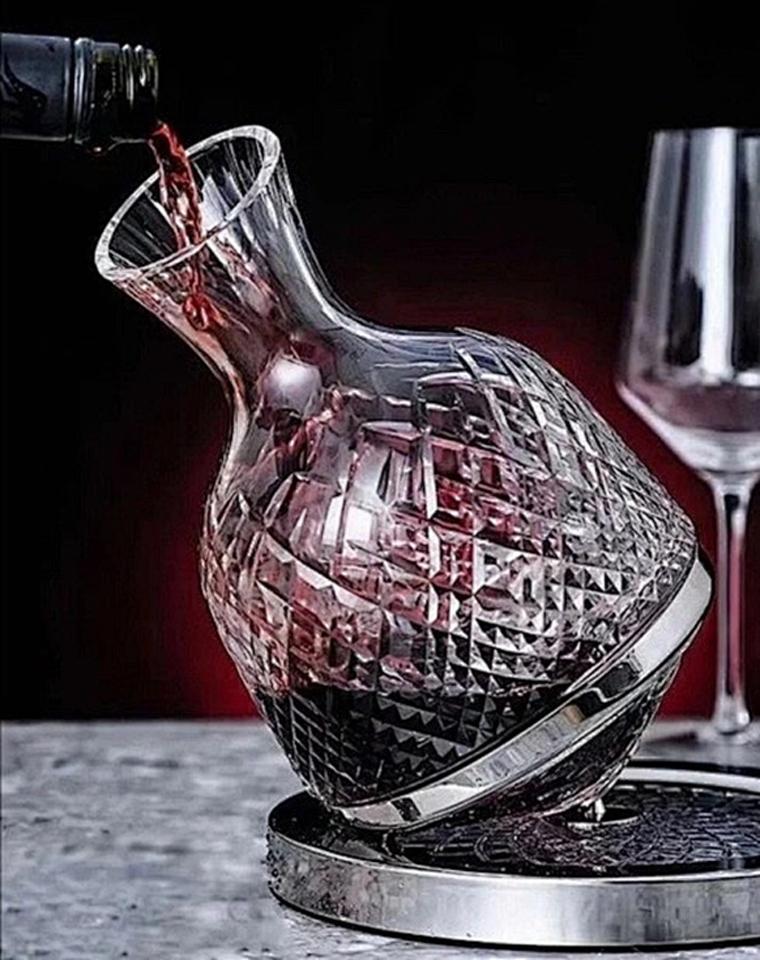 如此高逼格喝酒的仪式感!酒柜里的定海神针 仅398元  艺术摆件  爱马旗下手工坊联名全球限量水晶醒酒器
