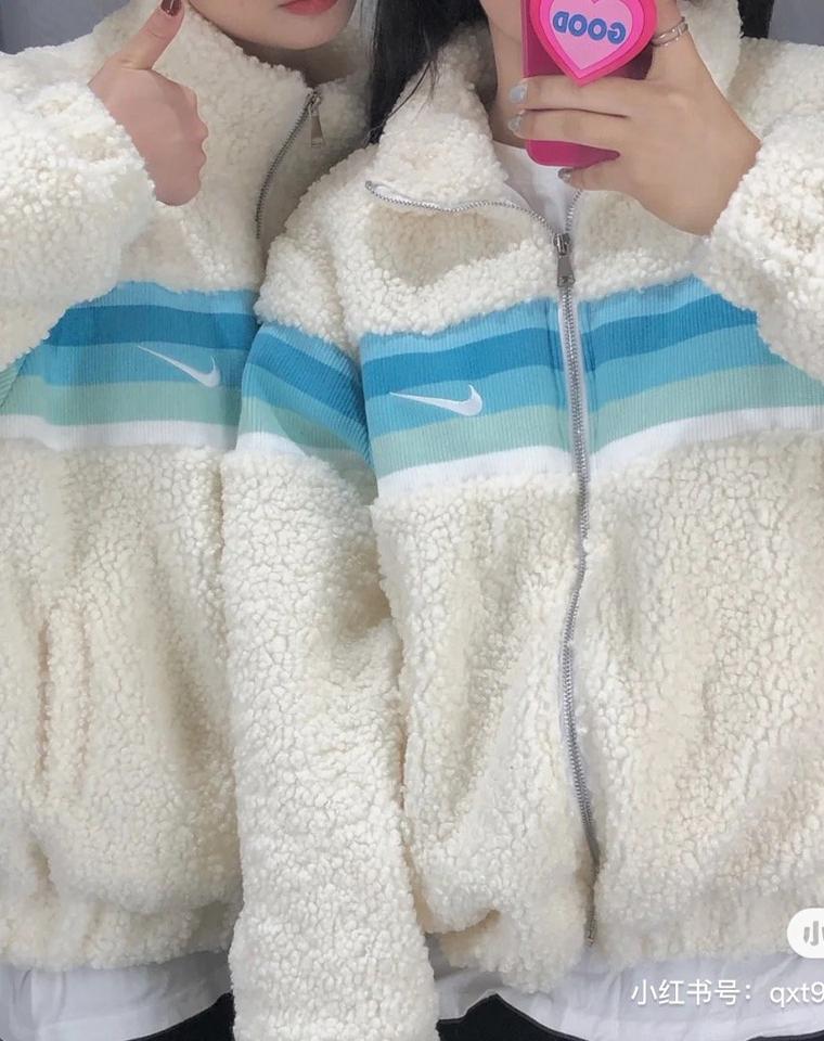 情侣款 仅168元  耐克纯正原单  蓝条拼接刺绣小标加厚保暖羊羔毛外套
