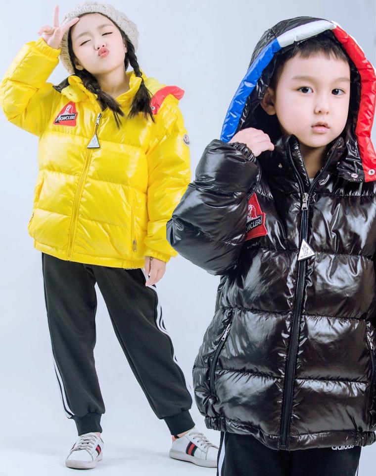 亲妈必收 千挑万选给孩子 有一种暖是来自羽绒服的呵护 仅288元  Moncler 蒙口原单 男女童白鸭绒帽羽绒服