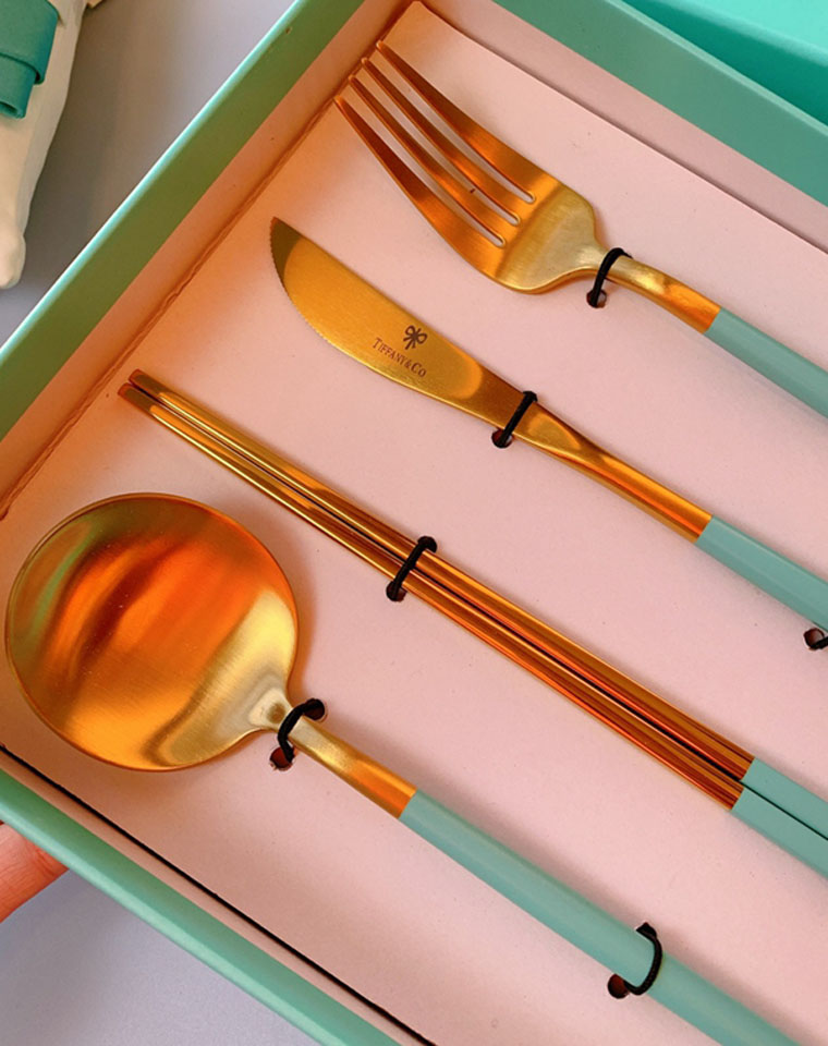 坚守一份美好  高颜值舒心体验 仅99元 蒂芙尼Tiffany刀叉4件礼盒套