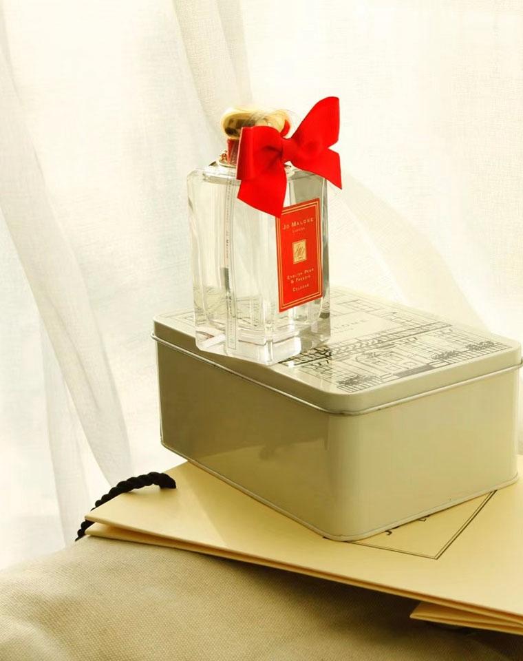 限量红丝带 给爱的人  仅118元  祖玛珑蓝风铃铁盒限量版100ml